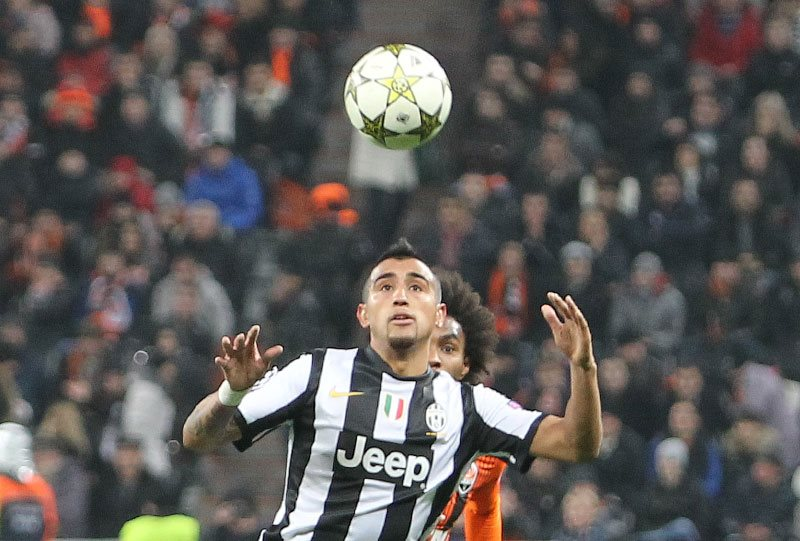 Conte refuses to rule out move for Arturo Vidal